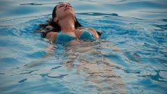 Как научиться держаться на воде