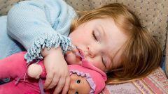 Как научить ребенка спать днем
