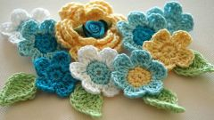 How to knit various crochet flowers