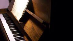 Как быстро научиться играть на пианино