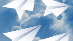 Как собрать бумажный самолет