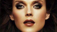 Как наносить макияж брюнеткам