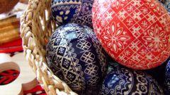 Как дарить пасхальные яйца