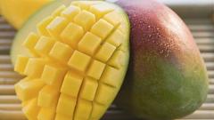Как нужно  есть манго