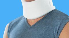 Как носить шейный бандаж