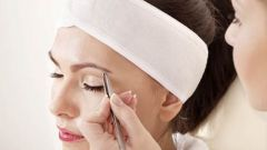 How to painlessly pluck eyebrows