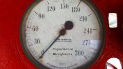 Как определить электроемкость для плоского конденсатора
