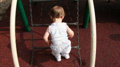 Как одевать малыша летом