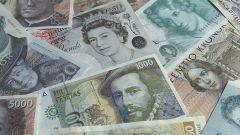 Как дешевле перевезти деньги за границу