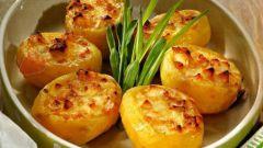 Как вкусно запечь картофель в духовке