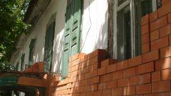 Как обложить кирпичом саманный дом