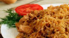 Как приготовить тушеную квашеную капусту