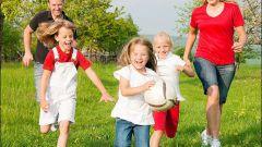 В какие летние игры поиграть с ребенком