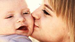 Как ведут себя дети в первый год жизни