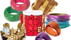 Как носить браслеты на руках