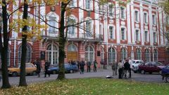 How to enroll in Saint Petersburg State University