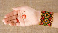 Как найти схемы плетения фенечек