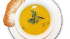 Как приготовить куриный суп с кокосом, имбирем и калганом по-тайски