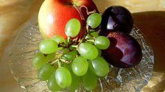Как сделать компот из яблок, слив и винограда