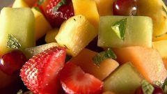 Какие фрукты сочетаются в салатах
