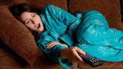 Почему просмотр телевизора по ночам ведет к депрессии