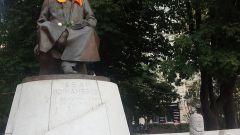 Зачем на памятники надели балаклавы