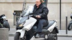 За что Жерар Депардье избил автомобилиста в центре Парижа