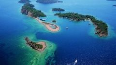 Почему Греция продает острова