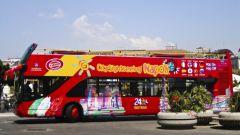 Как ходят двухэтажные автобусы в Москве