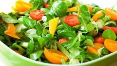 Как готовить недорогие салаты из овощей