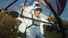 Как Путин полетал на дельтаплане