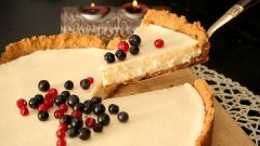 Как испечь скорый пирог с ягодами