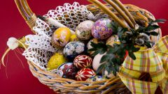 Яйцо из бисера: как сделать подарок к Пасхе своими руками