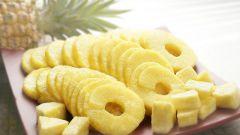 Что можно приготовить, имея баночку консервированных ананасов