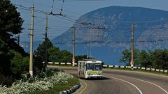 How to get from Simferopol to Yalta