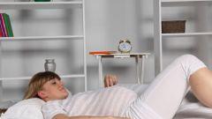 Чем грозят месячные во время беременности