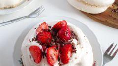 Как сделать павлову с клубникой на десерт