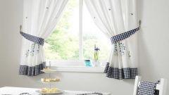 Подбираем шторы для кухни