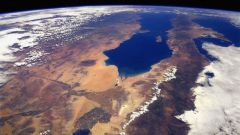 Какова масса Земли