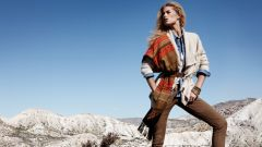 Платки и шарфы – яркий акцент сезона