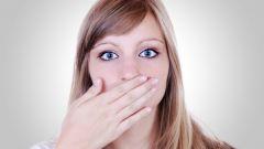 Почему трескаются уголки губ