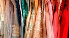 Куда можно сдать платье