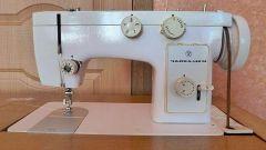 Как вставить нитку в швейной машинке