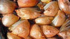 Самый простой гарнир - печеный лук