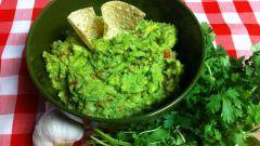 Как приготовить итальянский песто и мексиканский гуакамоле
