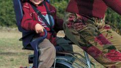 Кататься с ребенком на велосипеде просто