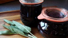 How to cook jam from a black currant