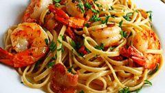 Как приготовить средиземноморскую пасту с креветками