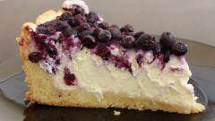 Ягодно-творожный пирог с миндалем