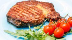 Как приготовить вкусный стейк на уличном гриле?